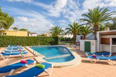 Apartamento en Cala Blanca - Apartamento tipo duplex con piscina y...