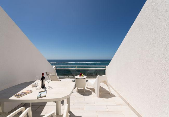 Apartamento en Las Palmas de Gran Canaria - Cómodo estudio encima del mar by CanariasGetaway