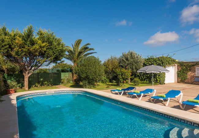 Casa rural en Ciutadella de Menorca - Bonita Finca a las afueras de ciutadella de Menorca con piscina privada y total privacidad