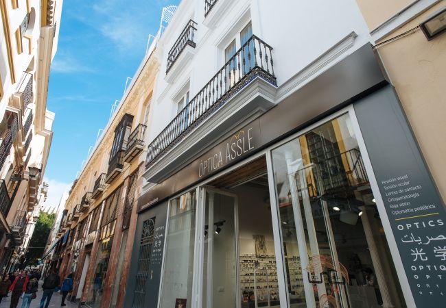 Alquiler por habitaciones en Sevilla - Casa Assle Suite Balcones 1
