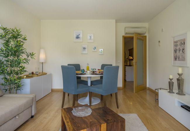 Apartamento en Sesimbra - Apartamento con vistas al mar, acceso a la piscina y parking privado en Sesimbra