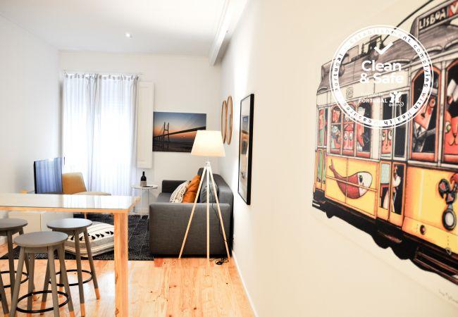 Apartamento em Lisboa - Apartamento confortável, totalmente equipado, rés do chão, muito perto do centro de Lisboa.