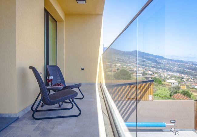 Villa em Prazeres - Eden Sun