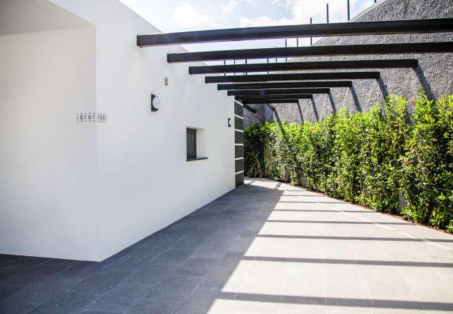 Villa em Arco da Calheta - Villa Rubydom