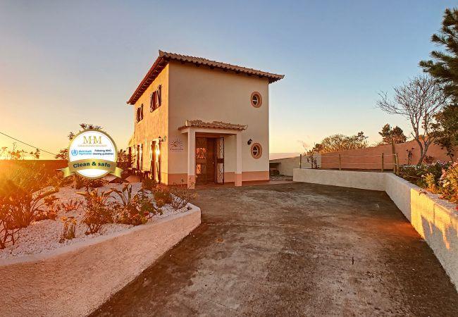 Casa rural em Fajã da Ovelha - Ovelha do Sol by MHM