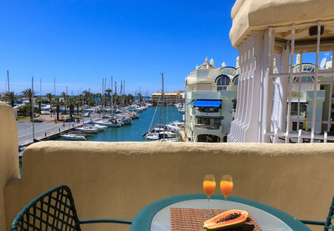 Апартаменты на Benalmadena - Puerto Marina - 2 terraces and direct view to the Marina