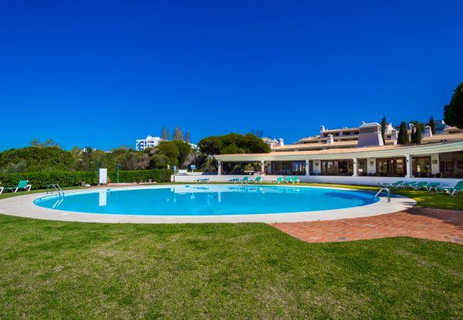 Апартаменты на Armação de Pêra - Alporchinhos 840 | professionally cleaned | 1-bedroom apartment | very close to the beach