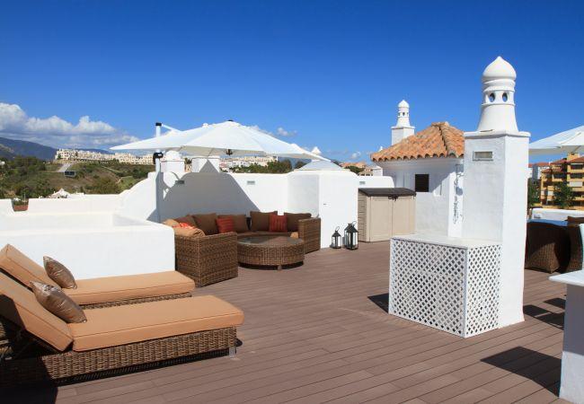 Appartement à Estepona - Top del Golf Hills Marbella - Large roof top lounge terrace