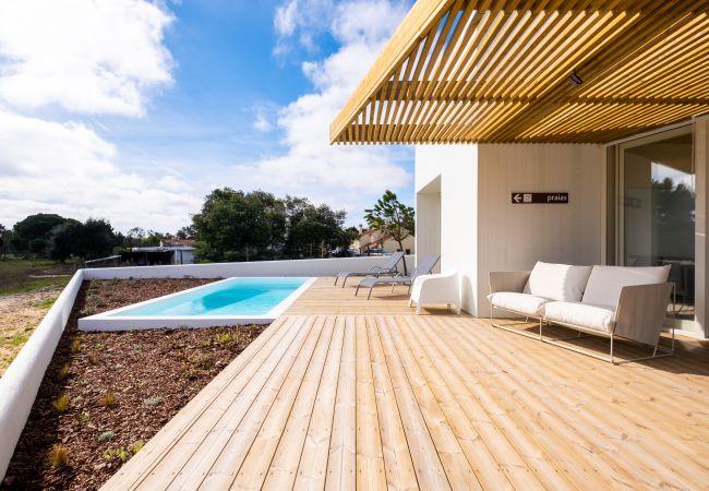 Villa à Comporta - 7 Boxes House, est une villa pour 8 personnes récemment construite à Comporta, charmante et très confortable