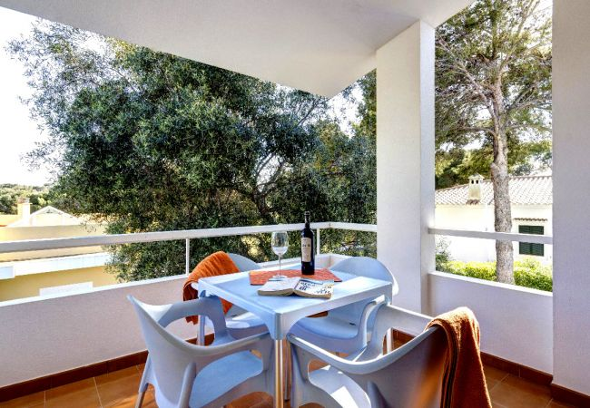 Apartment in Cala Blanca - wWht Air-con in living-room, 2 bedrooms, clossed to the beach
