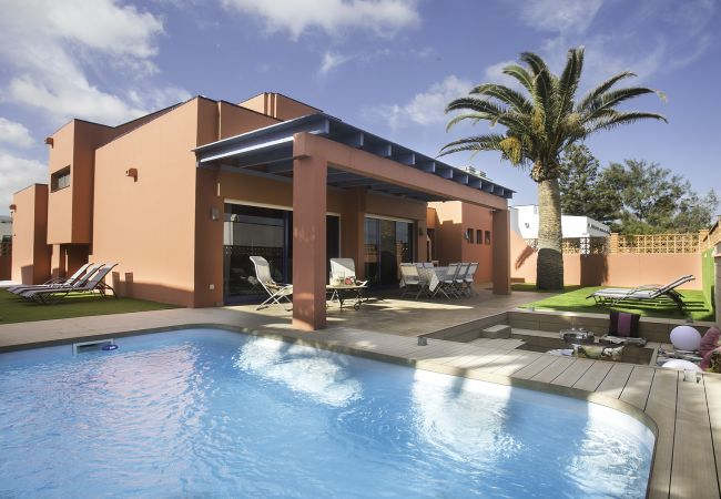 Villa in Corralejo - VILLA LONG BEACH. SWIMMING POOL