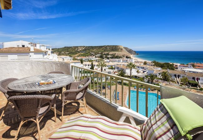 Apartment in Luz - Seaview Apartment O | professionally cleaned | 2-bedroom duplex apartment | stunning sea views | very close to the centre of Praia da Luz