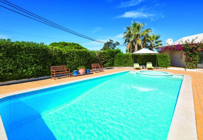 Villa in Carvoeiro - Casa Santalena | professionally cleaned | 3-bedroom villa | swimming pool | close to Carvoeiro and amenities