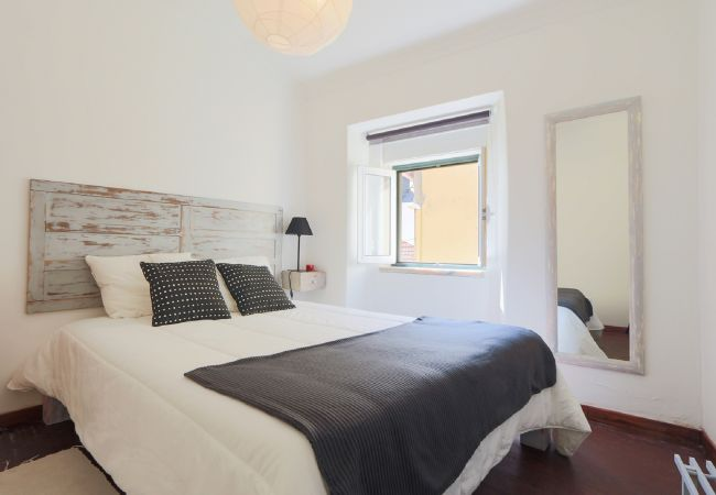 Very comfortable room in Ajuda area   Short Rental