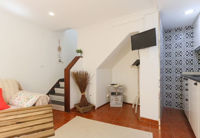 Duplex apartment for 2 people in the typical Ajuda area