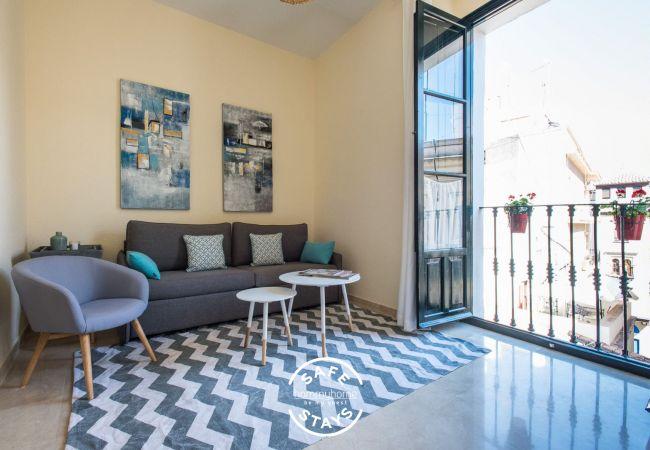 Apartment in Sevilla - Hommyhome San Isidoro